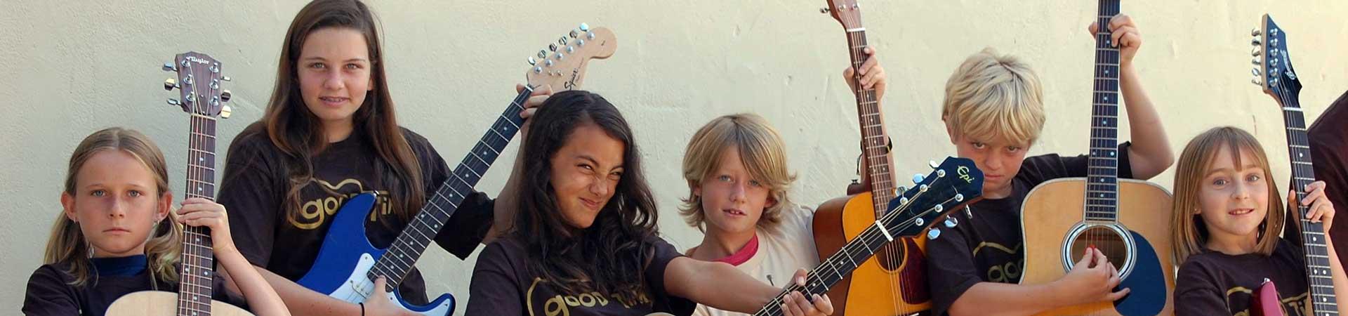 Kolonie i obozy gitarowe